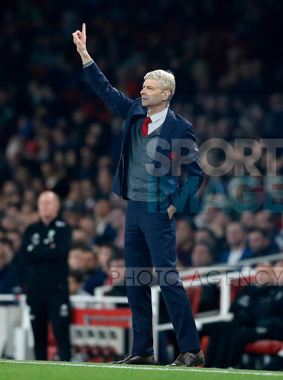 Arsenal's Arsene Wenger in action during the premier league match at the Emirates Stadium, London. Picture date 25th September 2017. Picture credit should read: David Klein/Sportimage