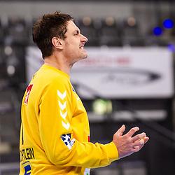 sichtlich enttaeuscht / Carsten Lichtlein (TSV GWD Minden #1) ; 1. Handball Bundesliga: TVB Stuttgart - TSV GWD Minden am 10.12.2020 in Stuttgart (PORSCHE Arena), Baden-Wuerttemberg, Deutschland<br /> <br /> Foto © PIX-Sportfotos *** Foto ist honorarpflichtig! *** Auf Anfrage in hoeherer Qualitaet/Aufloesung. Belegexemplar erbeten. Veroeffentlichung ausschliesslich fuer journalistisch-publizistische Zwecke. For editorial use only.