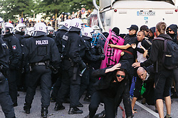 July 7, 2017 - Hamburg, Germany - Police after ending the rallye. // Polizei nach der Auflösung der Demo am Fischmarkt / Hafenstrasse.Credit: MilesMeyer/face to face (Credit Image: © face to face via ZUMA Press)