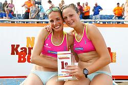 20150830 NED: NK Beachvolleybal 2015, Scheveningen<br />Danielle Remmers en Michelle Stiekema, Nederlands Kampioen Beachvolleybal 2015