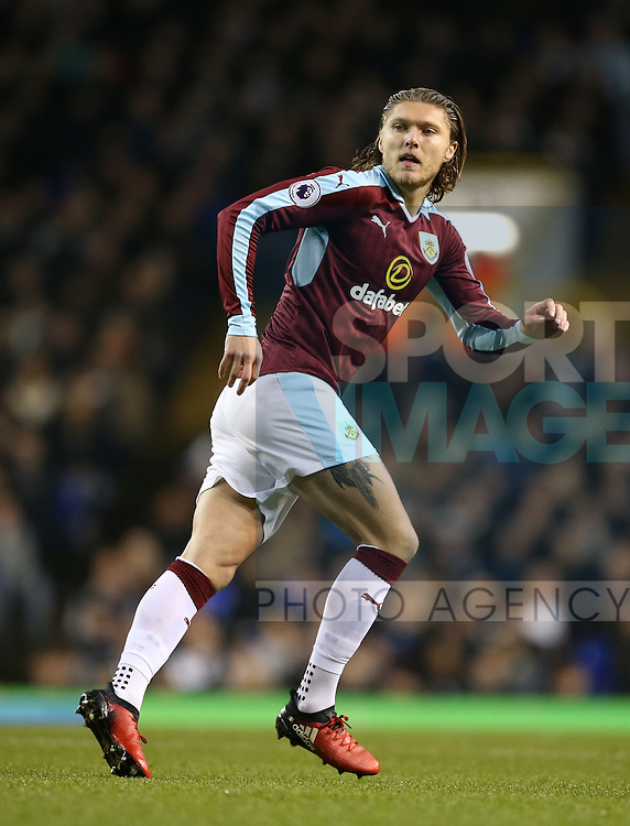 Burnley's Jeff Hendrick in action during the Premier League match at White Hart Lane Stadium, London. Picture date December 18th, 2016 Pic David Klein/Sportimage