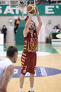 DESCRIZIONE : Siena Lega A 2013-14 Montepaschi Siena Umana Venezia<br /> GIOCATORE : rosselli guido<br /> CATEGORIA : tiro tre punti <br /> SQUADRA : Umana Venezia<br /> EVENTO : Campionato Lega A 2013-2014<br /> GARA : Montepaschi Siena Umana Venezia<br /> DATA : 11/11/2013<br /> SPORT : Pallacanestro <br /> AUTORE : Agenzia Ciamillo-Castoria/GiulioCiamillo<br /> Galleria : Lega Basket A 2013-2014  <br /> Fotonotizia : Siena Lega A 2013-14 Montepaschi Siena Umana Venezia<br /> Predefinita :