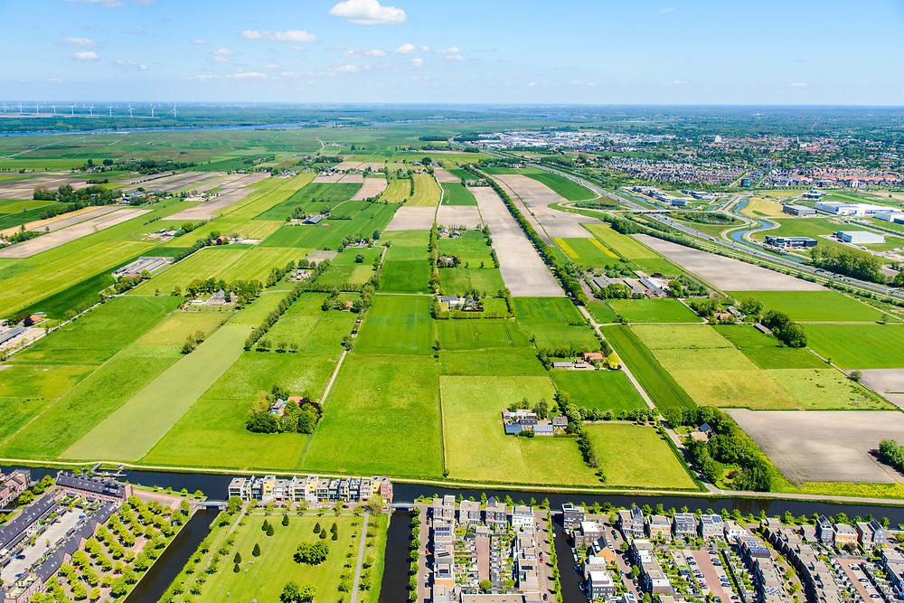 Nederland, Utrecht, Gemeente Amersfoort, 13-05-2019; de wijk Vathorst, Vinex-locatie. De nieuwbouwwijk ligt ten noorden van Amersfoort op het grondgebied van de voormalige gemeente Hoogland.<br /> Residential ar Vathorst.<br /> luchtfoto (toeslag op standard tarieven);<br /> aerial photo (additional fee required);<br /> copyright foto/photo Siebe Swart