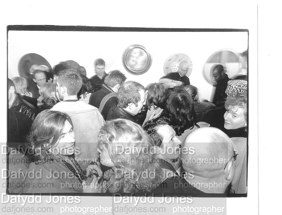 Kiss 5. Mixed Show of 39 artists. Gallery K. Heath St. Hampstead 14th Feb 97© Copyright Photograph by Dafydd Jones 66 Stockwell Park Rd. London SW9 0DA Tel 020 7733 0108 www.dafjones.com