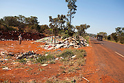 Sao Francisco de Sales_MG, Brasil...Lixao as margens da MG 255 em Sao Francisco de Sales, Minas Gerais...The waste disposal next to MG 255 in Sao Francisco de Sales, Minas Gerais...Foto: LEO DRUMOND / NITRO
