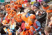 Her Majesty the queen and members of the royal family celebrate Saturday 29 April 2006 Queensday in the province flevoland in the cities  Zeewolde and almere.<br /> <br /> Hare Majesteit de Koningin en leden van de Koninklijke Familie vieren zaterdag 29 april 2006 Koninginnedag mee in de provincie Flevoland en wel in Zeewolde en Almere.<br /> <br /> On the Photo / Op dce foto: