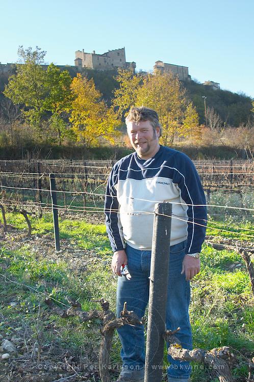 François Lafon Domaine de l'Aigle. Limoux. Languedoc. Man pruning vines. France. Europe. Vineyard.