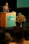 Zijne Koninklijke Hoogheid de Prins van Oranje   houdt de openingstoespraak over riolering en water in de stad tijdens de jaarlijkse rioned dag in het Beatrixtheater te Utrecht.