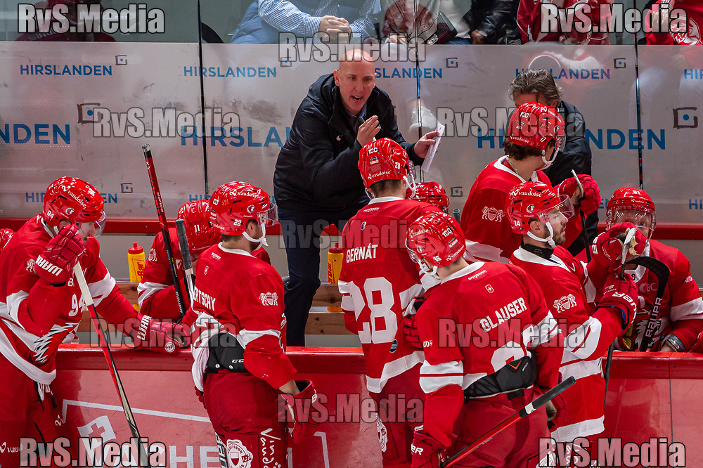 LAUSANNE, SWITZERLAND - OCTOBER 01: Head Coach John Fust of Lausanne HC takes a time out during the Swiss National League game between Lausanne HC and ZSC Lions at Vaudoise Arena on October 1, 2021 in Lausanne, Switzerland. (Photo by Robert Hradil/RvS.Media)