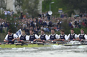 Putney, London   <br /> 2002 Varsity Boat Race. <br /> Photo Peter Spurrier<br /> 2002 Boat Race<br /> 30/03/02<br /> Oxford, approaching the finish of the 2002 Boat Race.[Mandatory Credit:Peter SPURRIER/Intersport Images]