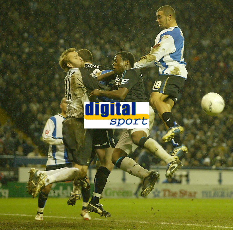 Photo: Aidan Ellis.<br /> Sheffield Wednesday v Manchester City. The FA Cup. 07/01/2007.<br /> wednesday's Deon Burton comes close to scoring from a corner