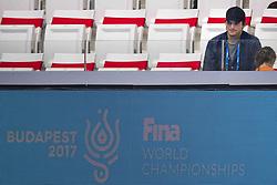 July 23, 2017 - Budapest, Hungary - US actor ASHTON KUTCHER and his daughter WYATT ISABELLE KUTCHER at the FINA World Championships swimming competition. (Credit Image: © Joel Marklund/Bildbyran via ZUMA Wire)