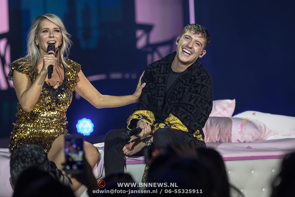 NLD/Amsterdam/20191115 - Chantals Pyjama Party in Ziggo Dome, Stage