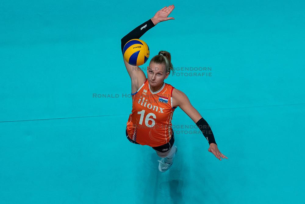 28-05-2019 NED: Volleyball Nations League Netherlands - Brazil, Apeldoorn<br /> <br /> Indy Baijens #16 of Netherlands
