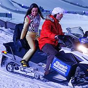 DUI/Hinterzarten/20130212 - Opname Vliegende Hollanders 2013 - Sterren van de Schans, Bibi Breijman op de sneeuwscooter