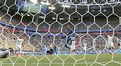 SAINT PETERSBURG, June 22, 2018  Neymar of Brazil shoots to score during the 2018 FIFA World Cup Group E match between Brazil and Costa Rica in Saint Petersburg, Russia, June 22, 2018. Brazil won 2-0. (Credit Image: © Cao Can/Xinhua via ZUMA Wire)