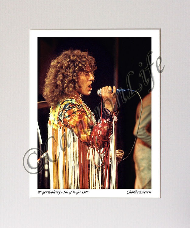 Roger Daltrey (The Who) (Pete Townshend partly in shot) MCP1210-CLFE-035v2 / CLMA-020