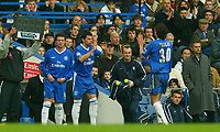 Fotball<br /> Premier League England 2004/2005<br /> Foto: BPI/Digitalsport<br /> NORWAY ONLY<br /> <br /> Chelsea v Newcastle United<br /> Barclays Premiership.<br /> 03/12/2004.<br /> <br /> Jose Mourinho makes a double substitution that changed the game.