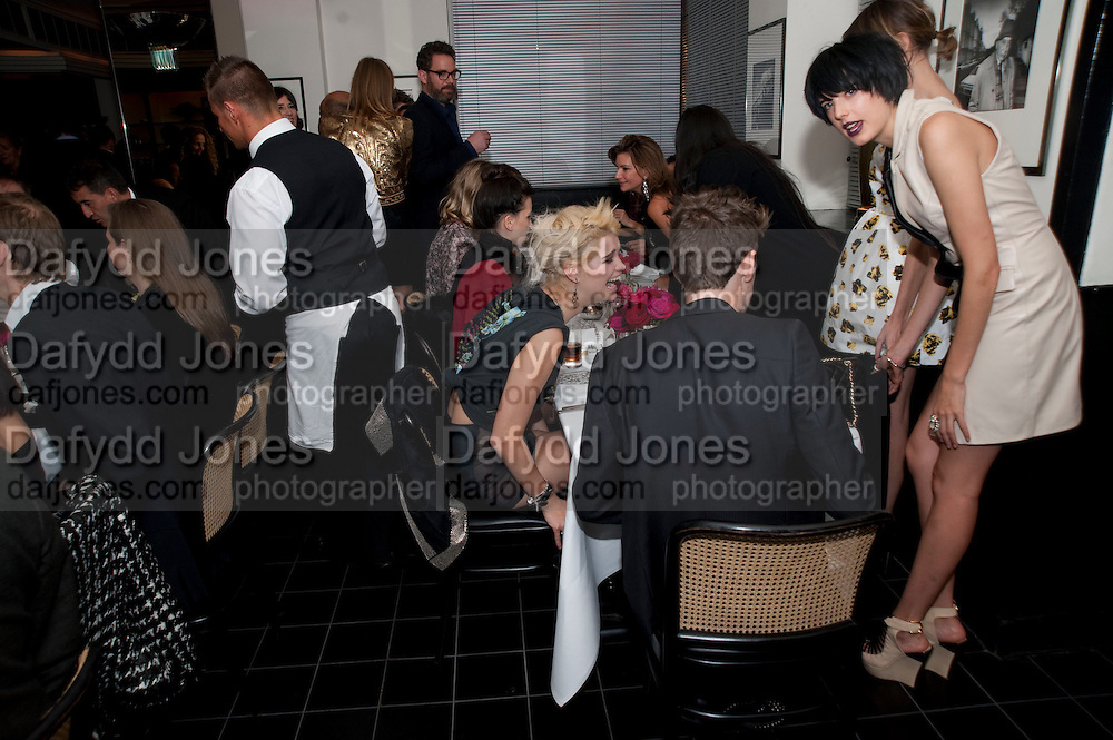 PIXIE GELDOFF; HENRY HOLLAND; AGYNESS DEHN, Dinner hosted by editor of British Vogue, Alexandra Shulman in association with Net-A-Porter.com in honour of 25 years of London Fashion Week and Nick Knight. Caprice. London.  September 21, 2009