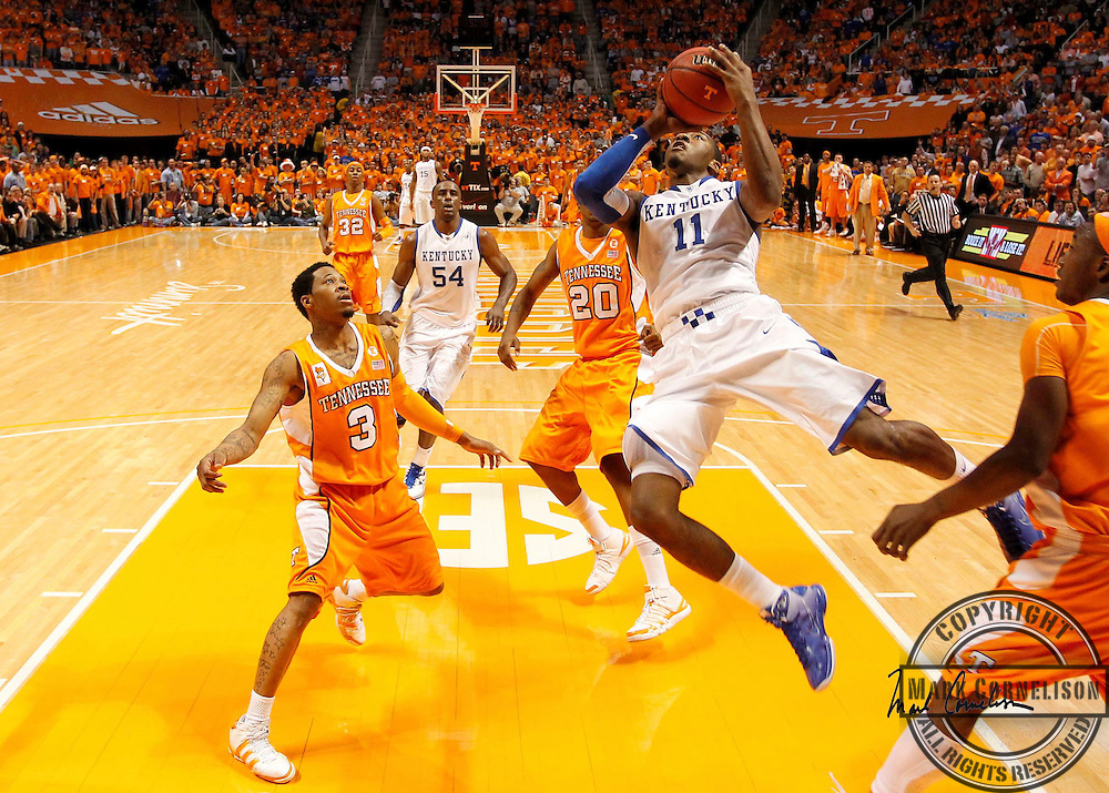 Kentucky s John Wall went inside for two of his 19 points as Kentucky lost to Tennessee 74-65  on Saturday February 27,  2010 in Knoxville,TN. Photo by Mark Cornelison oe Staff.