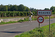 road sign cyclist beaune cote de beaune burgundy france