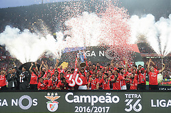 LISBON, May 14, 2017  Benfica's players celebrate winning champion after the Portuguese League football match between SL Benfica and Vitoria Guimaraes SC in Lisbon on May 13, 2017. Benfica won 5-0. (Credit Image: © Zhang Liyun/Xinhua via ZUMA Wire)