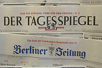 14 FEB 2003, BERLIN/GERMANY:<br /> Der Tagesspiegel und die Berliner Zeitung, die auflagenstaerksten Tageszeitungen in Berlin<br /> IMAGE: 20030214-02-004