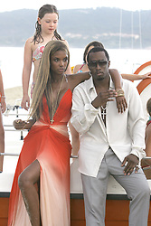 Sean 'P.Diddy' Combs with his wife Kim Porter shooting a video for Estee Lauder in Saint-Tropez, South of France on August 5, 2006. Photo by ABACAPRESS.COM  | 102980_05 Saint-Tropez France