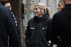 20-03-2016 FRA: Women's Olympic Qualification Tournament Pressmoment Netherlands, Metz<br /> Persmoment met het Nederlands team / Estavana Polman #79
