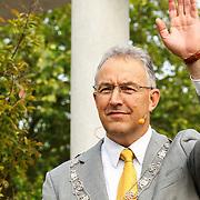 NLD/Rotterdam/20150626 - Paul de Leeuw opent nieuwe leeuwenverblijf Diergaarde Blijdorp, Burgemeester Aboutaleb