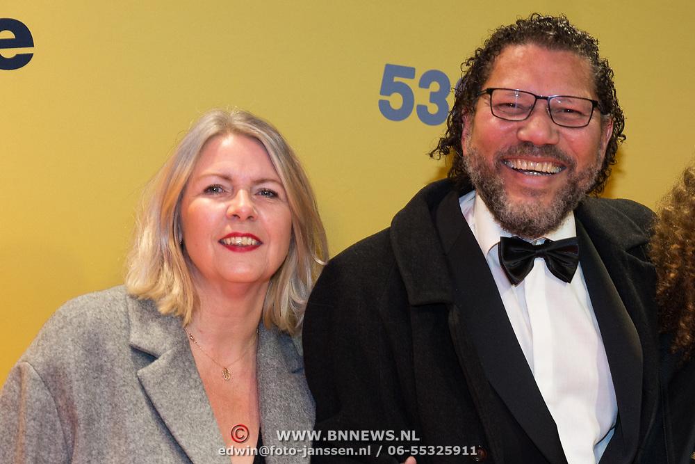 NLD/Amsterdam/20180212 - Premiere Gek op Oranje, kenneth Herdigein met partner en dochter