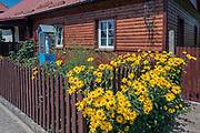 Zabytkowy drewniany dom na rynku w Tykocinie, Polska<br /> Antique wooden house on the market in Tykocin, Poland