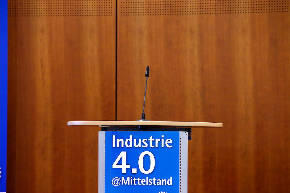 DIHK Industrie 4.0 Mittelstand 16.02.2017 DIHK Industrie 4.0 Mittelstand 16.02.2017