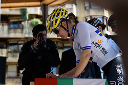 The 2015 winner, Emma Johansson signs in - Emakumeen Saria - Durango-Durango 2016. A 113km road race starting and finishing in Durango, Spain on 12th April 2016.