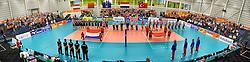 24-09-2016 NED: EK Kwalificatie Nederland - Wit Rusland, Koog aan de Zaan<br /> Nederland wint na een 2-0 achterstand in sets met 3-2 / Topsporthal Koog aan de Zaan, line up, volkslied