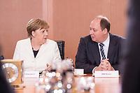14 MAR 2018, BERLIN/GERMANY:<br /> Angela Merkel (L), MdB, CDU, Bundeskanzlerin, Helge Braun (R), MdB, CDU, Chef des Bundeskanzleramtes und Bundesminister fuer besondere Aufgaben, vor Beginn der ersten Sitzung des Kabinetts Merkel IV, Kabinettsaal, Bundeskanzleramt<br /> IMAGE: 20180314-02-033<br /> KEYWORDS: Kabinett, Kabinettsitzung, Sitzung,, neues Kabinett
