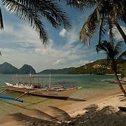 Pontoon boat in El Nido Beach Resort  'The Orange Pearl', Palawan, Philippines