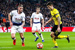 Christian Pulisic of Borussia Dortmund takes on Toby Alderweireld of Tottenham Hotspur - Mandatory by-line: Robbie Stephenson/JMP - 13/02/2019 - FOOTBALL - Wembley Stadium - London, England - Tottenham Hotspur v Borussia Dortmund - UEFA Champions League Round of 16, 1st Leg
