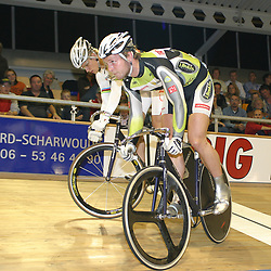 ALKMAAR (NED) wielrennen<br />NK Baanwielrennen ; mannen 2004; Teun Mulder; Theo Bos; surplace