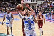 DESCRIZIONE : Campionato 2014/15 Dinamo Banco di Sardegna Sassari - Umana Reyer Venezia<br /> GIOCATORE : David Logan<br /> CATEGORIA : Tiro Penetrazione Sottomano<br /> SQUADRA : Dinamo Banco di Sardegna Sassari<br /> EVENTO : LegaBasket Serie A Beko 2014/2015<br /> GARA : Dinamo Banco di Sardegna Sassari - Umana Reyer Venezia<br /> DATA : 03/05/2015<br /> SPORT : Pallacanestro <br /> AUTORE : Agenzia Ciamillo-Castoria/L.Canu