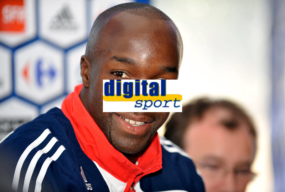 Fotball<br /> Frankrike<br /> Foto: DPPI/Digitalsport<br /> NORWAY ONLY<br /> <br /> FOOTBALL - MISCS 2009/2010 - FRANCE TRAINING - 1/09/2009<br /> <br /> LASSANA DIARRA DURING THE PRESS CONFERENCE
