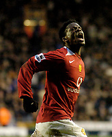 Photo: Glyn Thomas.<br />Wolverhampton Wanderers v Manchester United. The FA Cup. 29/01/2006.<br /> United's Louis Saha celebrates after scoring his side's second goal.