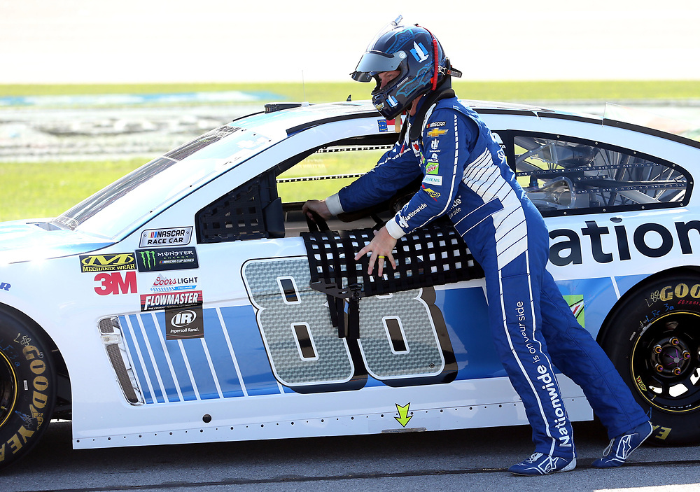 May 6, 2017; Talladega, AL, USA; NASCAR Cup Series driver Dale Earnhardt Jr. (88) pushes his car during qualifying for the GEICO 500 at Talladega Superspeedway. Mandatory Credit: Peter Casey-USA TODAY Sports
