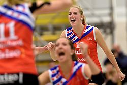 19-04-2015 NED: TVT Eurosped - VC Sneek, Almelo<br /> Derde finale wedstrijd in een serie van best of five waarbij Sneek met 2-0 voorstaat / Monique Volkers #12