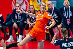 Kelly Dulfer of Netherlands in action during the Women's EHF Euro 2020 match between Netherlands and Norway at Sydbank Arena on december 10, 2020 in Kolding, Denmark (Photo by RHF Agency/Ronald Hoogendoorn)