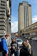 Gent, Belgie, Mar 16, 2009, De Boekentoren, Universiteitsbibliotheek gebouwt door Henry Van de Velde, binnenin zijn studenten ijverig opzoeking aan het doen, ©Christophe VANDER EECKEN