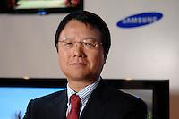 30 AUG 2007, BERLIN/GERMANY:<br /> JongWoo Park, President & CEO, Samsung Digital Media Business, Samsung Messestand, Internationale Funkausstellung, IFA<br /> IMAGE: 20070830-01-031<br /> KEYWORDS: Jong Woo Park