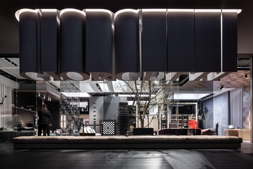 Входная группа стенда компании Giorgetti на выставке Salone del Mobile 2019, Милан