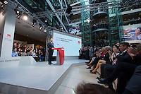 29 JAN 2016, BERLIN/GERMANY:<br /> Martin Schulz, SPD, Kanzlerkandidat, haelt seine Vorstellungsrede, Vorstellung von Schulz als Kanzlerkandidat der SPD zur Bundestagswahl, nach der Nominierung durch den SPD-Parteivorstand, Willy-Brandt-Haus<br /> IMAGE: 20170129-01-026<br /> KEYWORDS: Applaus, applaudieren, klatschen, Übersicht, uebersicht