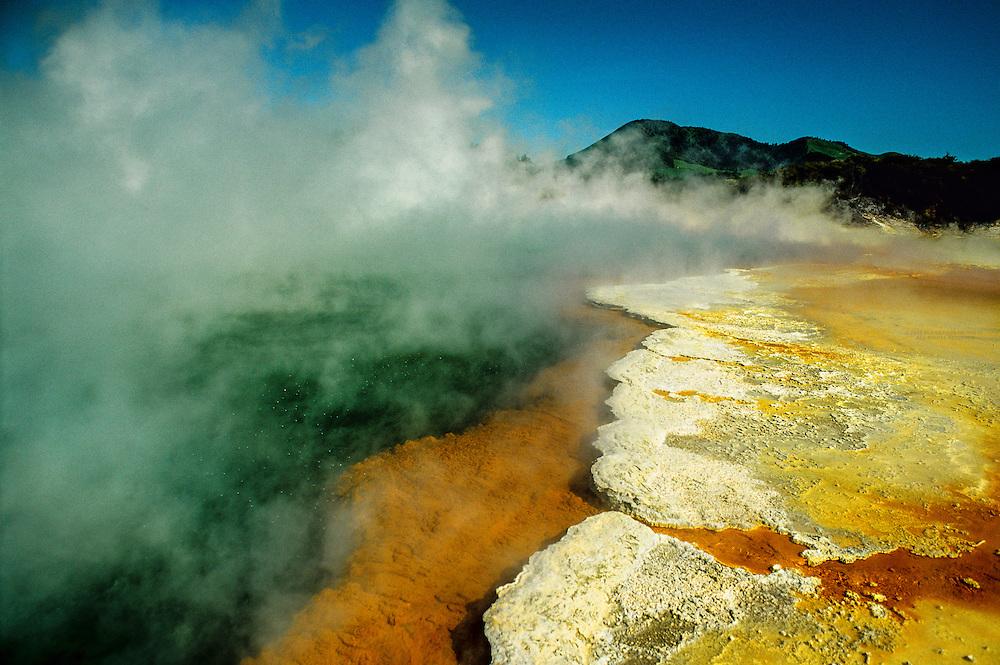 The Champagne Pool, Waiotapu Thermal Area, near Rotorua, New Zealand
